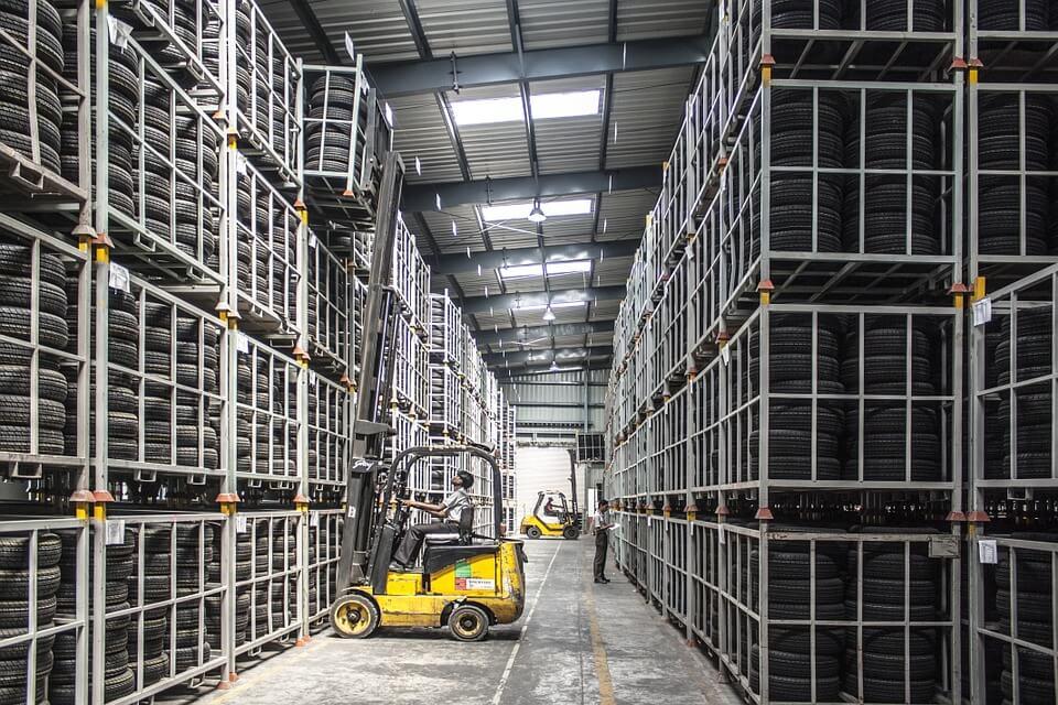 Comment le suivi en entrepôt améliore-t-il la qualité de service de l'entreprise ?